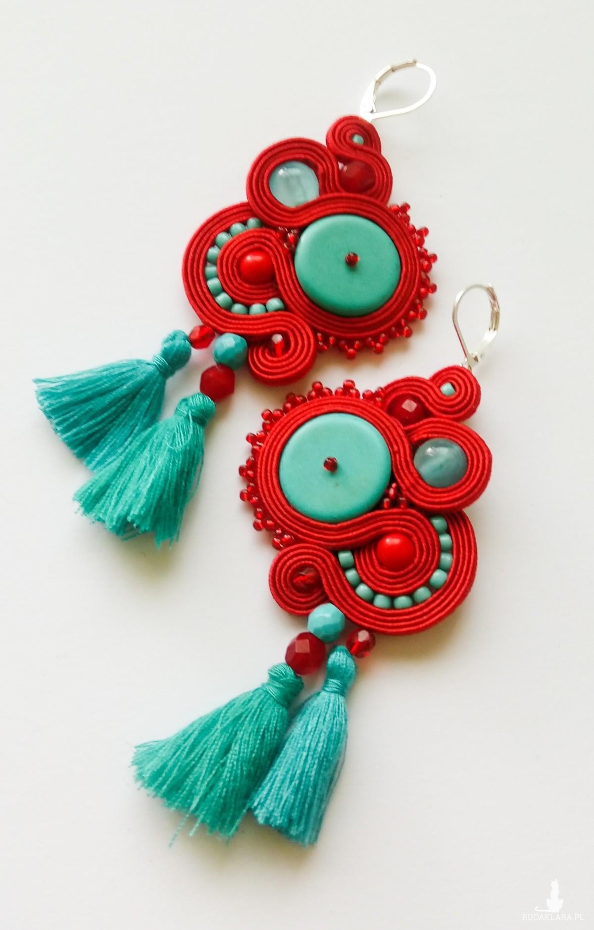 Czerwono-turkusowe kolczyki sutasz z frędzlami