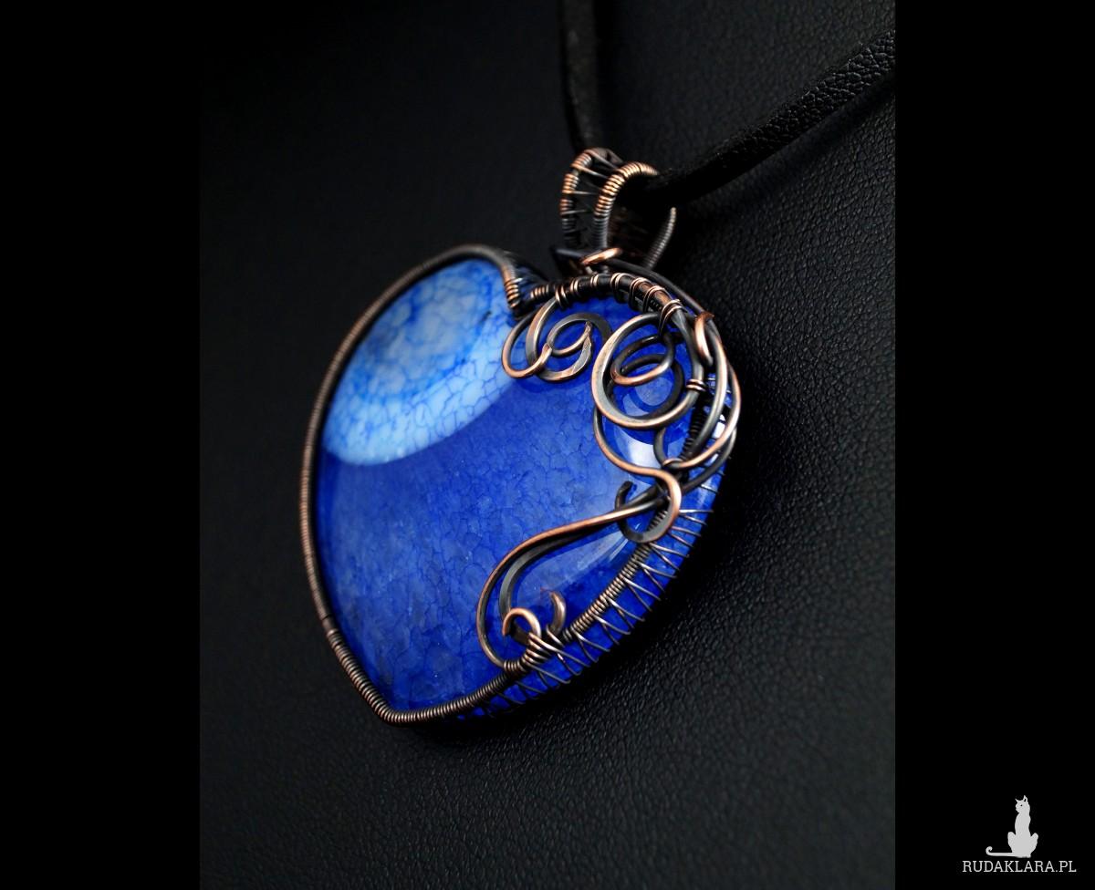 Agat niebiesko czarny z kryształem, Wisior iedziany z agatem, ręcznie wykonany, prezent dla niej, prezent dla mamy, prezent urodzinowy