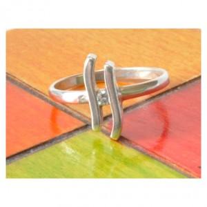 90 delikatny pierścionek vintage, stare, polskie srebro; sygnowany