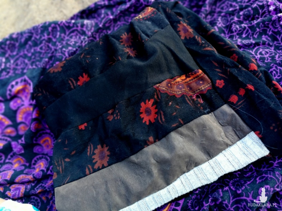 komin damski szyty patchworkowo handmade- box 44- uwaga poezja- dobrze rozważ mój drogi kto ci dziś podkłada nogi