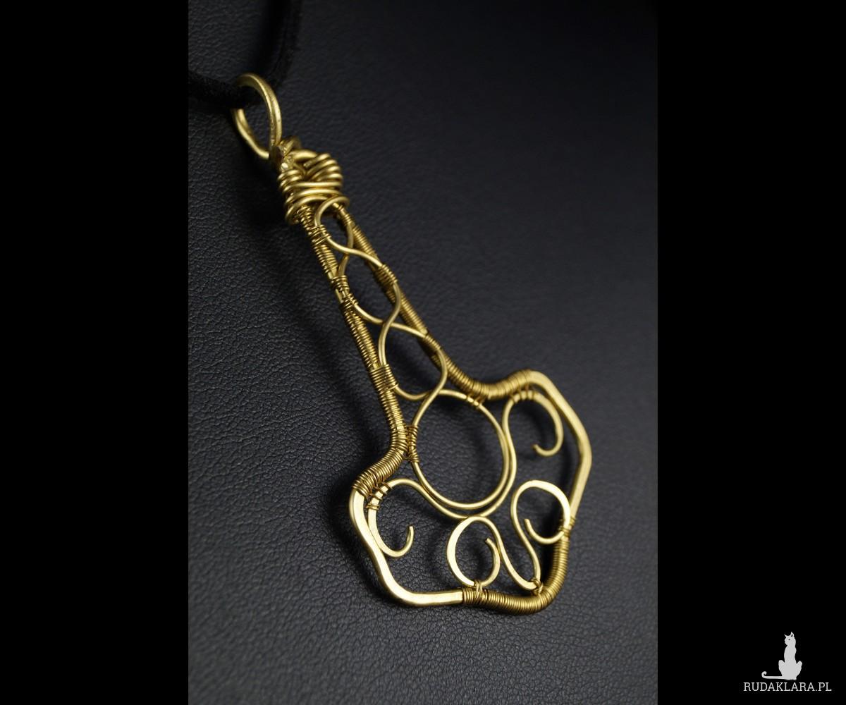 Mjolnir, mosiężny wisior w kształcie młota, ręcznie wykonany, prezent dla niego, prezent dla brata, prezent urodzinowy, biżuteria autorska