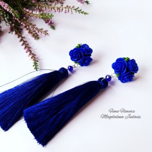 Kolczyki z kobaltowymi różami
