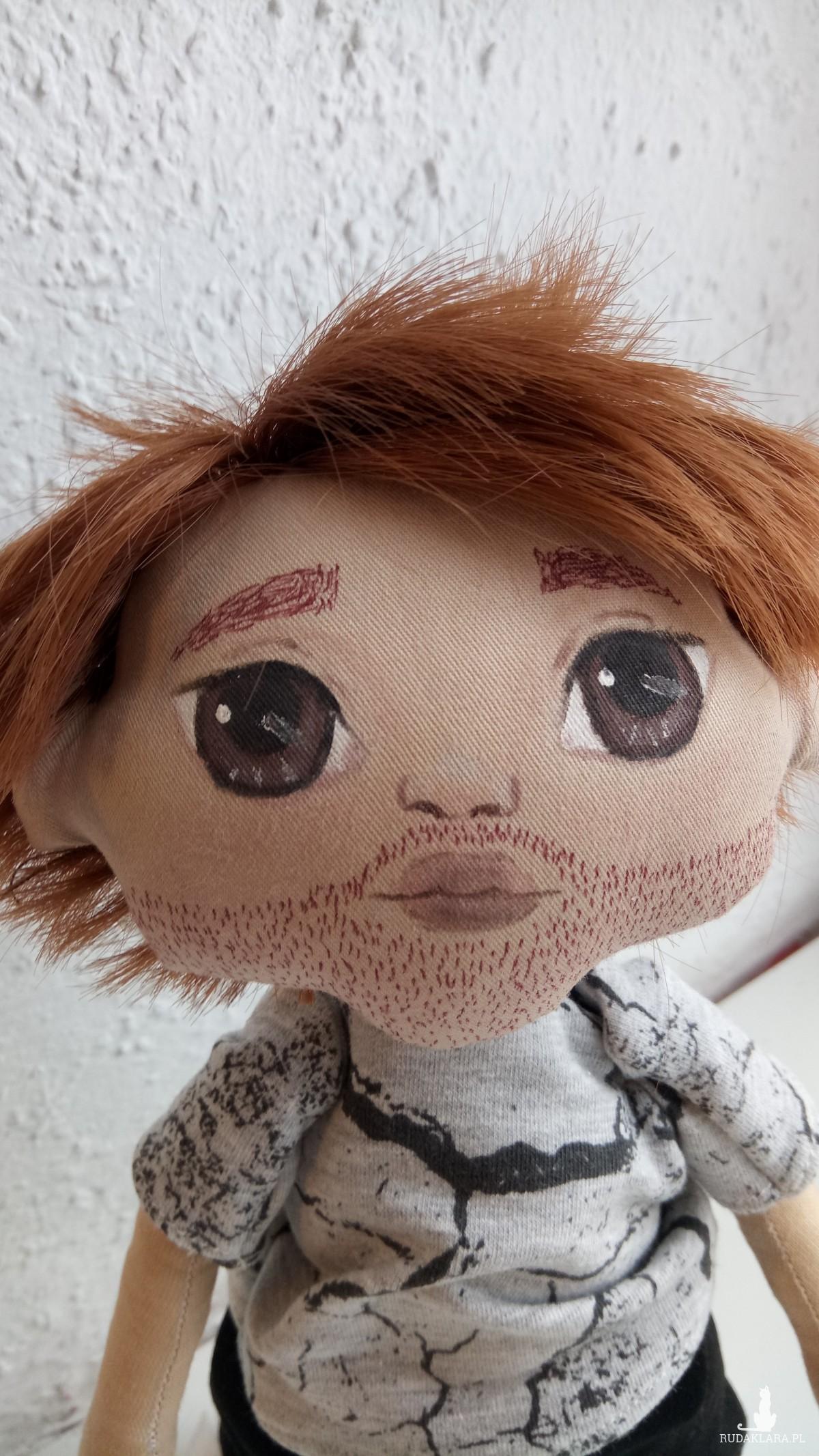 Męska lalka z brodą