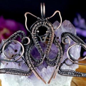 Miedziany nietoperz, Wisior w kształcie nietoperza, ręcznie wykonany, prezent dla niej, prezent dla niego, prezent urodzinowy, biżuteria