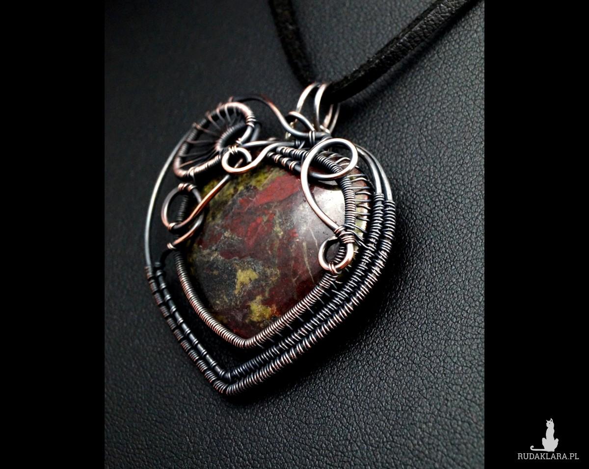 Kamień krwisty, Krwawnik, Heliotrop, Miedziany wisior z Kamieniem krwistym, ręcznie wykonany, prezent dla niej, prezent dla mamy, urodzinowy