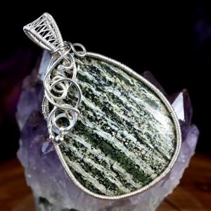 Serpentynit, Srebrny wisior z serpentynitem, ręcznie wykonany, prezent dla niej, prezent dla mamy, prezent urodzinowy, biżuteria autorska