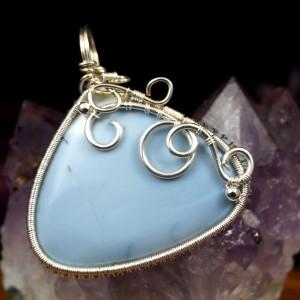 Opal niebieski, Srebrny wisiorek z opalem niebieskim, ręcznie wykonany, prezent dla niej, prezent dla mamy, prezent urodzinowy, autorska