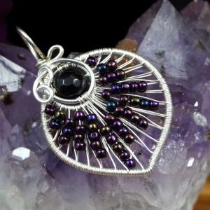 Onyks, srebrny wisior z onyksem w kształcie listka, prezent dla żony, prezent dla mamy, prezent dla kobiety, ręcznie robiona biżuteria