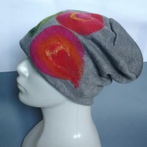 czapka wełniana filcowana niebieska  zimowa handmade w kwiaty na podszewce