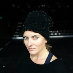 czapka futrzana damska srebrno- czarna handmade
