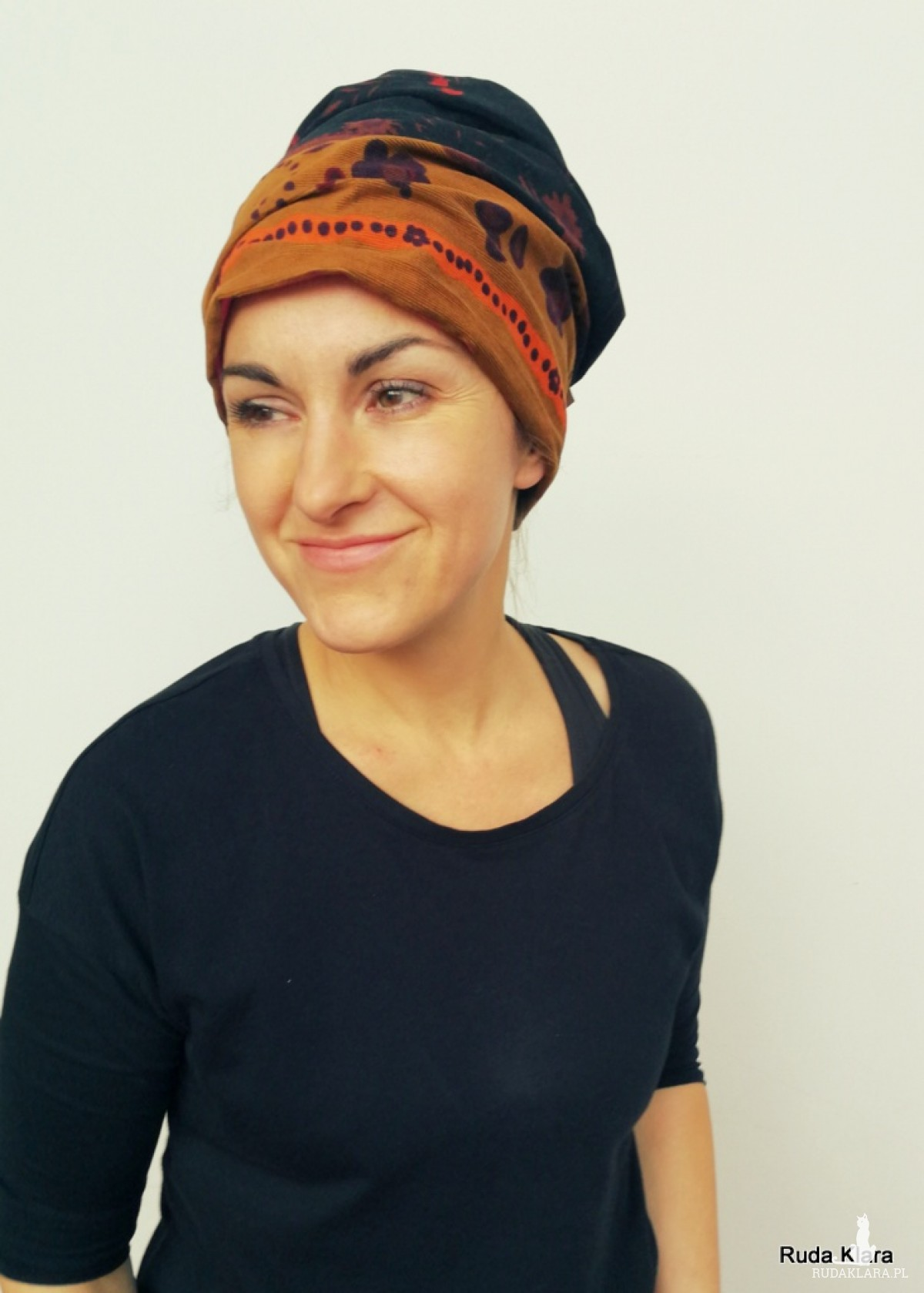 czapka damska etno boho orientalna smerfetka handmade uszyta z włoskiego miękkiego sztruksu