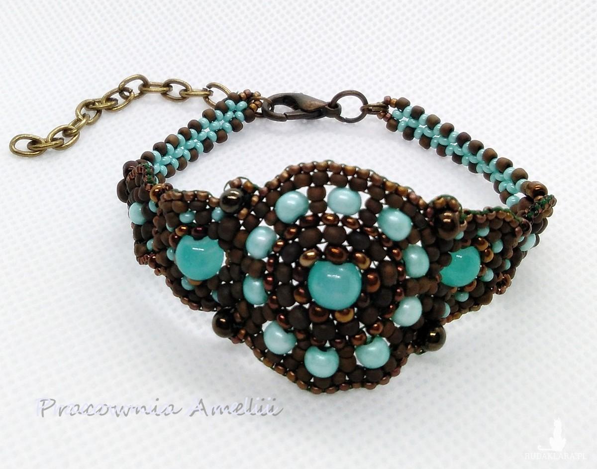 bransoletka w stylu starożytnego Rzymu