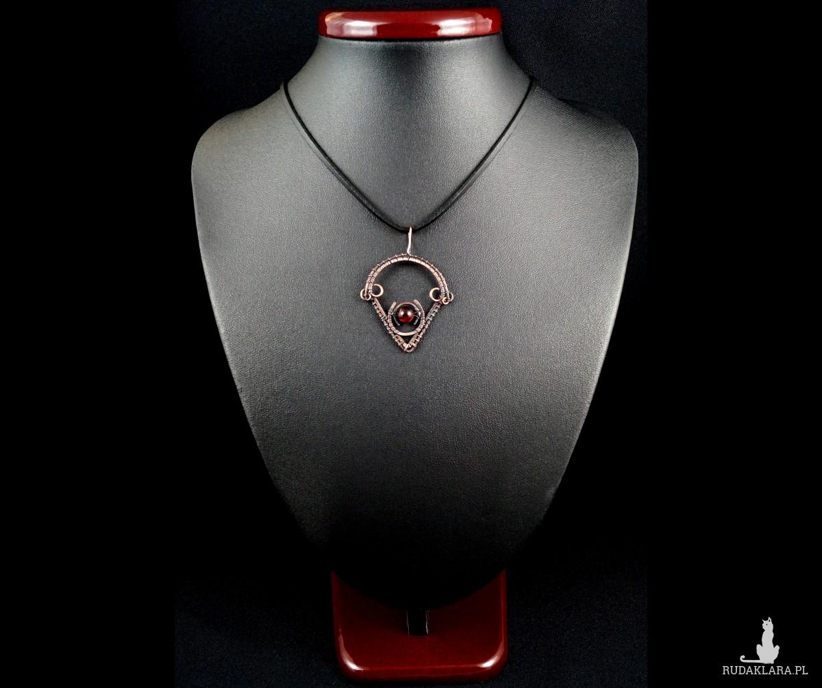 Miedziany wisior Boho z tygrysim okiem, ręcznie wykonany, prezent dla niej prezent dla niego, prezent urodzinowy, biżuteria autorska