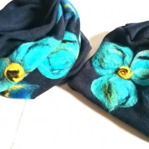 granatowy wełniany komplet w kwiaty idealny na zimę filcowany wełną handmade