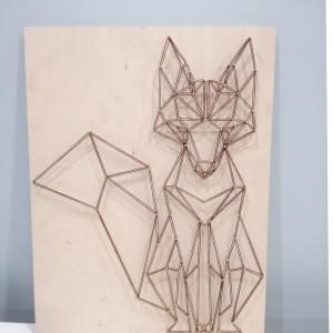 Geometryczny obraz string art lisek