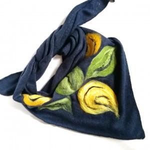 granatowa chusta handmade wełniana