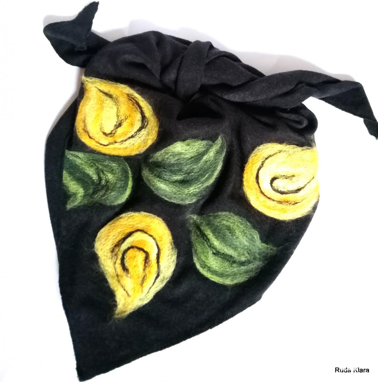 chusta czarna wełniana zimowa damska handmade