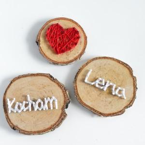 3 drewniane magnesy: Kocham, dowolne imię i serce, Magnes na brzozie