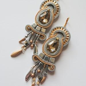 Srebrno-złote kolczyki z kryształkami