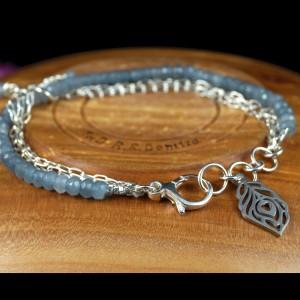 Jadeit, Srebrna bransoletka z jadeitowymi kuleczkami, ręcznie wykonana, prezent dla niej, prezent dla mamy, prezent urodzinowy, biżuteria