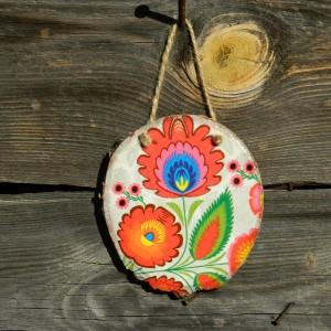Dekoracja wisząca wzór ludowy, prezent z drewna w stylu folk