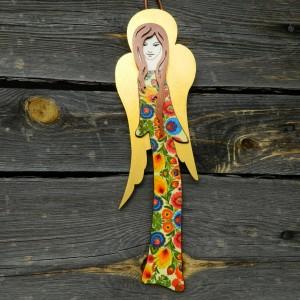 Anioł z drewna wiszący, wzór łowicki, anioł na ludowo