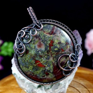 Krwawnik, Miedziany wisior z kamieniem krwistym, heliotrop, ręcznie wykonany, prezent dla niej, prezent dla mamy, prezent urodzinowy