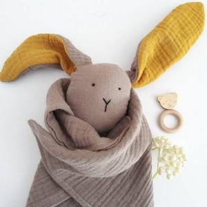 pierwsza przytulanka - króliczek muślinowy - króliś tuliś - szmaciany króliczek