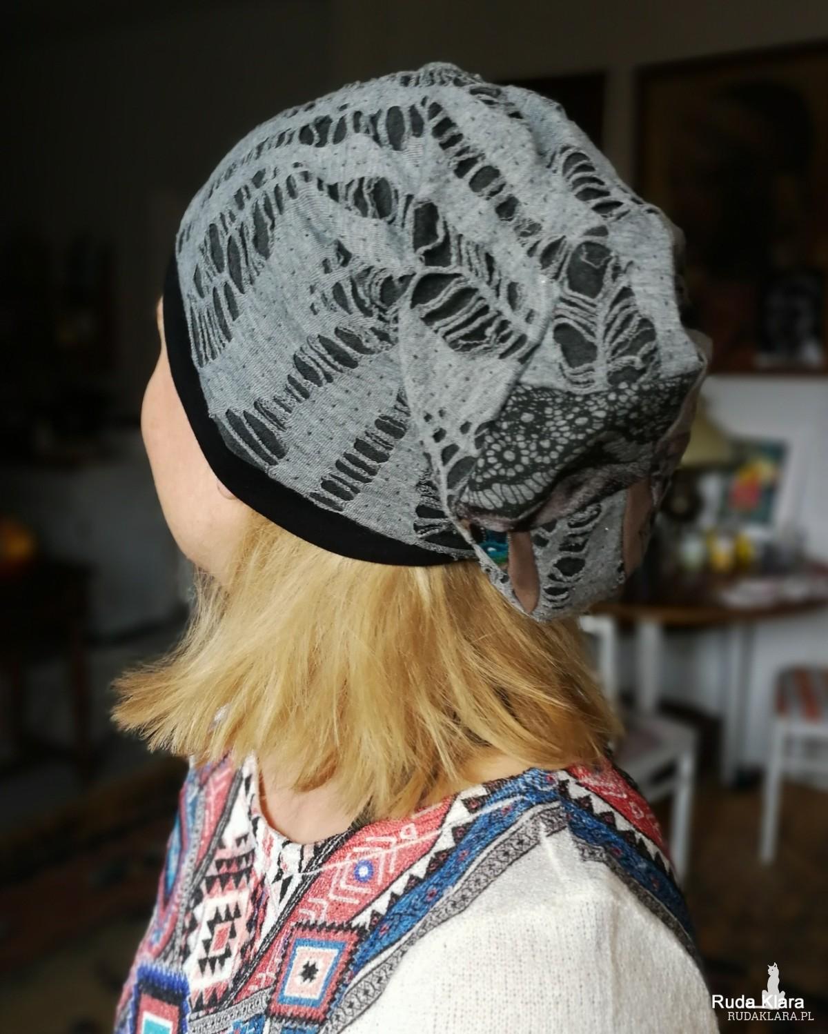 czapka damska szara wiosenna z patchworkową góra