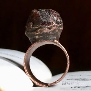pierścień z granatem