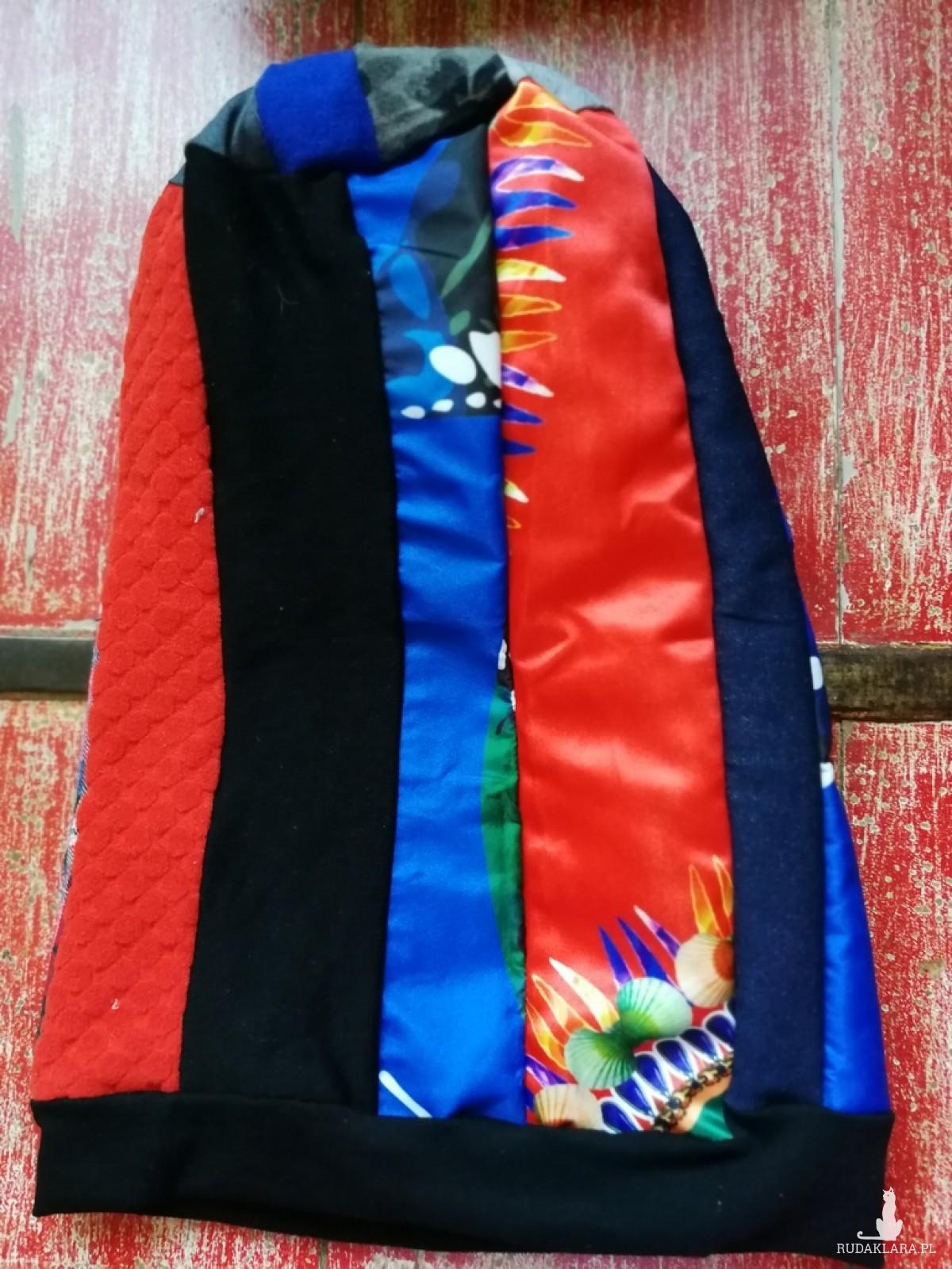 czapka smerfetka długa damska uniwersalna patchworkowa wykończona czarną dzianiną