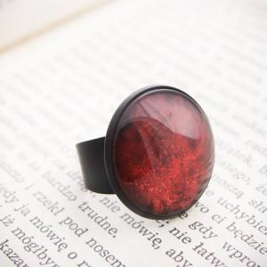 Duży pierścionek z ręcznie malowanym szkłem - czerwony
