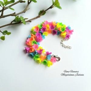 Komplet biżuterii w neonowych kolorach