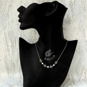 Naszyjnik chainmaille z naturalnymi perłami