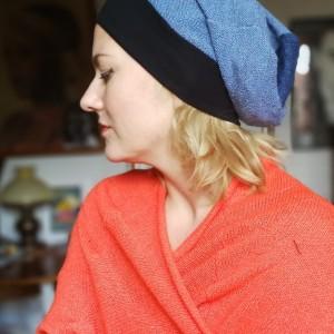 czapka damska wiosenna z dzianiny swetrowej niebieska na podszewce , obwód głowy 58-59cm, polecam box T1
