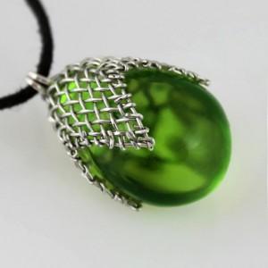 Zielony w siateczce – wisiorek