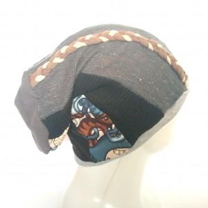 czapka wiosenna patchworkowa z kotami i warkoczem