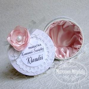Pamiątka 1-szej Komunii Świętej, personalizowane pudełeczko na prezent różowe