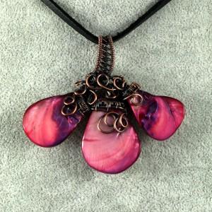 Miedziany naszyjnik z różowej masy perłowej, ręcznie wykonany, prezent dla niej, prezent dla siostry, urodzinowy, walentynki