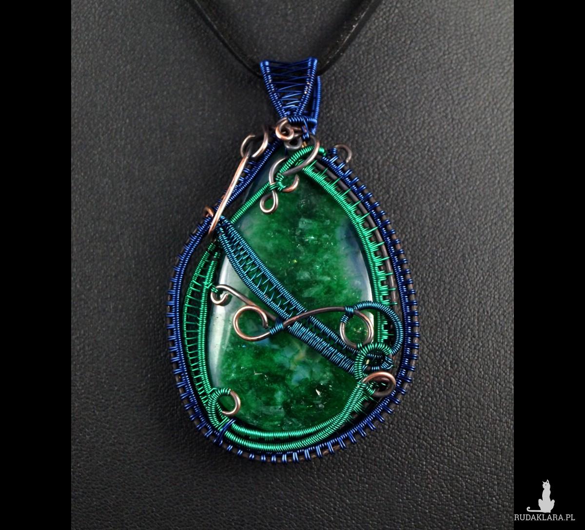 Agat zielony, Miedzinay wisior z agatem, ręcznie wykonany, prezent dla niej, prezent dla mamy prezent urodzinowy biżuteria autorska
