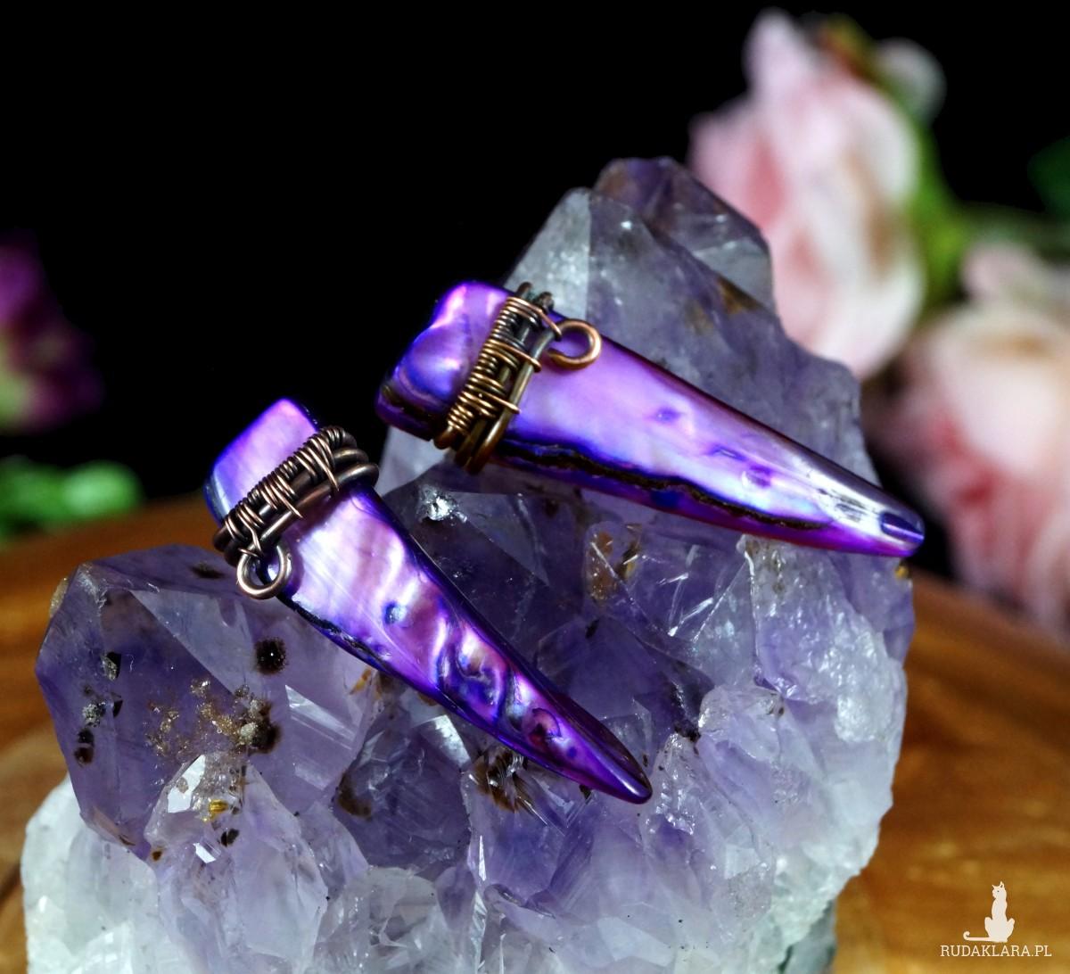 Fioletowy kieł Miedziane kolczyki z masy perłowej ręcznie wykonane, prezent dla niej prezent dla niego prezent urodzinowy biżuteria autorska