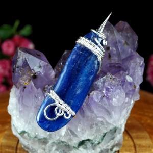 Kyanit, Srebrny wisior z kyanitem, pomysł na prezent, prezent dla mamy, prezent dla siostry, delikatyny wisior, ręcznie robiona biżuteria