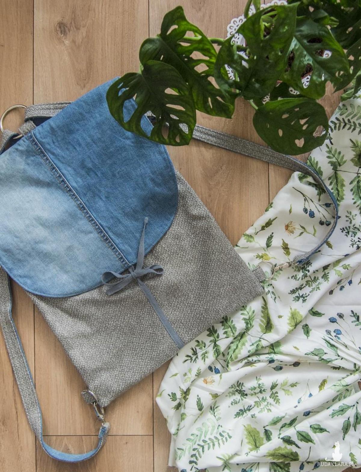 Pleciony plecak z jeansową , wiązaną klapą