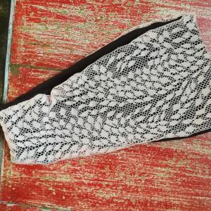 opaska damska koronkowa  wiosenna z miękkiej łososiowej koronki  na podszewce brązowej