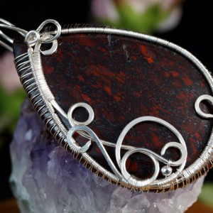 Jaspis brekcjowy, srebrny wisior z jaspisem brekcjowym, pomysł na prezent, prezent dla niej, prezent dla mamy, ręcznie robiony