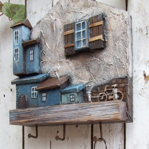 Drewniany wieszak na klucze, kubki albo zioła