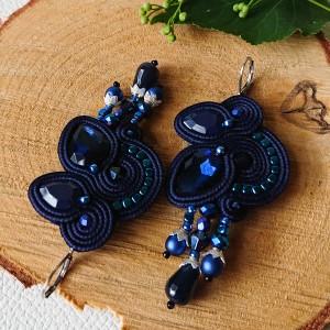 Granatowe kolczyki z kryształkami