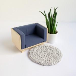 Fotel ze sklejki dla lalek