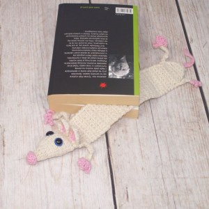 Biały zaczytany szczurek - zakładka do książki