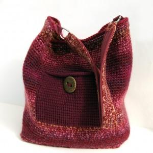 Bordowa, szydełkowa torba na ramię, z kieszonką